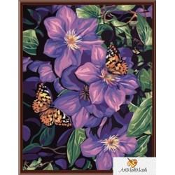 Лилави цветя с пеперуди